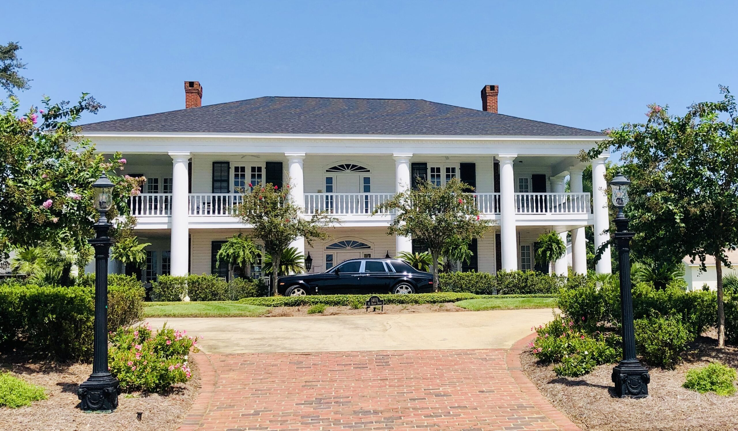 beautiful home and car